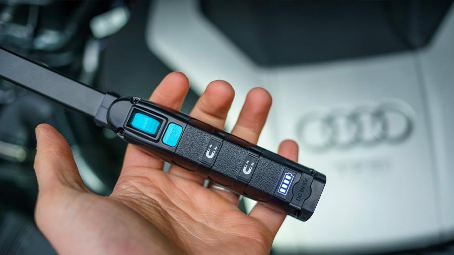 Lampe d'inspection éffilée MAGflex Pivot RING Audi